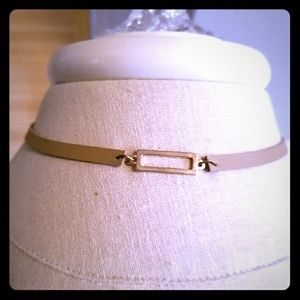 Jewelry - Tan and Gold choker